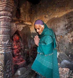 nepal praying